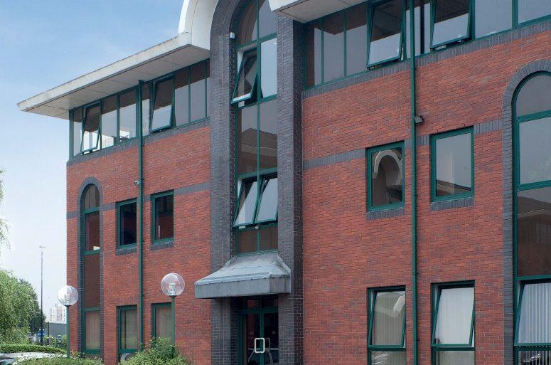 Spinnaker Court - Exterior