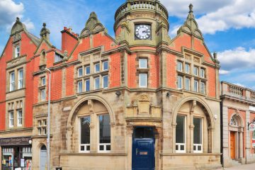 Exterior image 4-6 Bank Square, Wilmslow